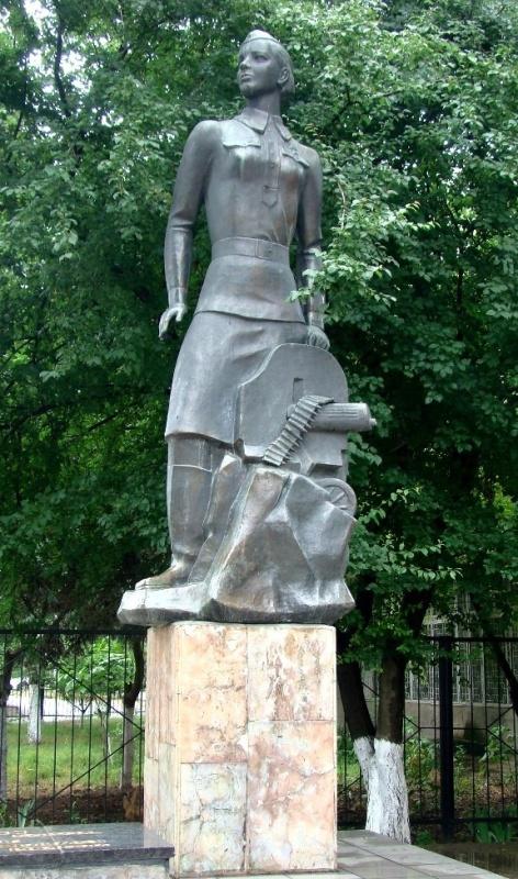 http://www.warheroes.ru/content/images/monuments/PAMYATNIKI2/OnilovaNinaAndrey_Pam_Odessa.jpg